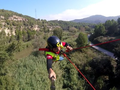 Bungee jumping a Montserrat con 2 salti
