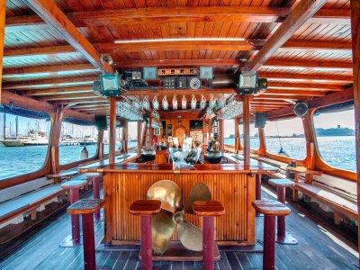 Festa in barca privata Palma per gruppi 3 bevande 6h