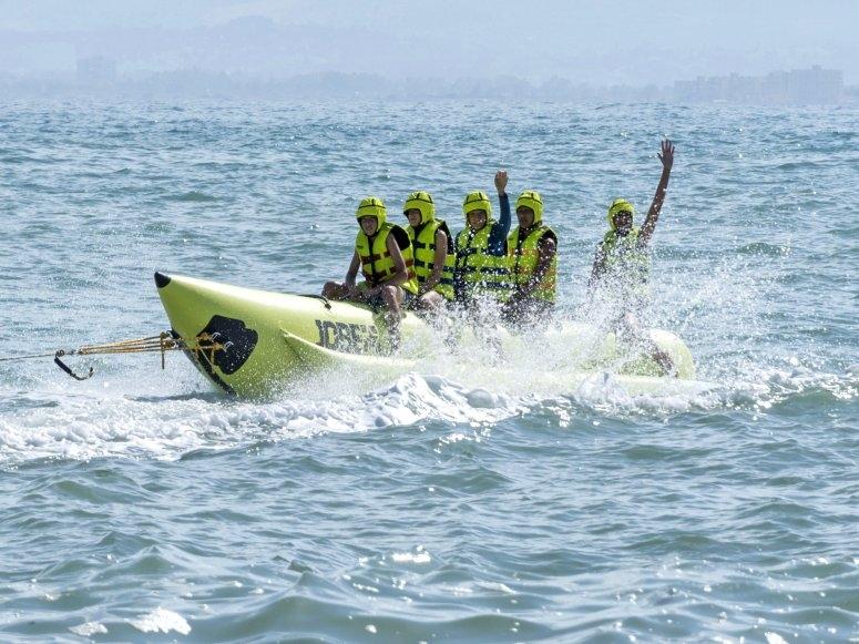 Scolari a bordo della banana boat