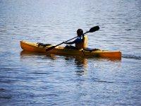 paleando en el rio