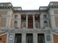 Visitar una exposición cultural en Madrid