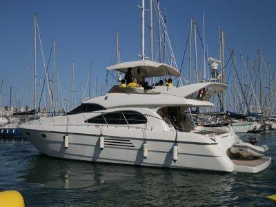 Navegar en yate de lujo Costa de Barcelona 1 hora