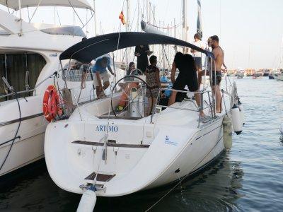 Paseo en velero por la costa en Barcelona 2 horas