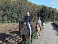 在马背上穿越蒙塞尼