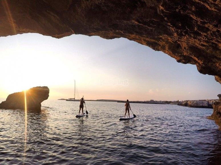 lasciando la grotta al tramonto