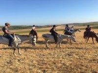 Sanlúcarde Barrameda的露营期间的骑马