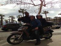 在巴塞罗那摩托车Barcelona四自行车旅行自行车助动车舰队
