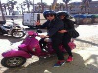 搭乘摩托车巴塞罗那