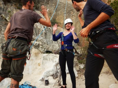 Sesión de escalada en Ibiza para iniciados