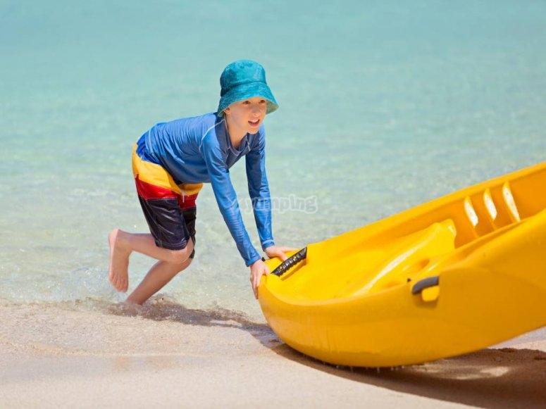 Kayak sulla spiaggia