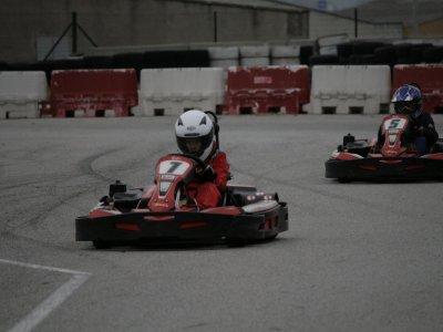 Tanda de karting en circuito en Osona 10 min Niños
