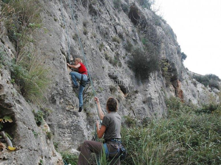 Escalada en roca natural
