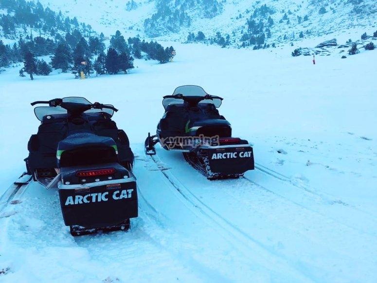 Motos de nieve en Ordino