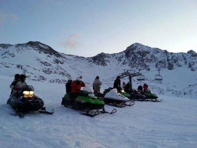 Percorso in motoslitta di 2 ore in Andorra