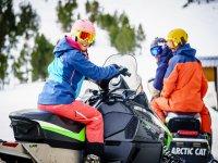 Comenzando la ruta en moto de nieve