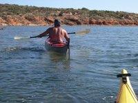 Con el kayak en el mar