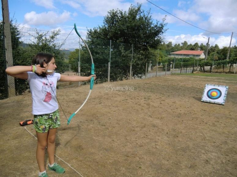 Tiro con arco en el campamento
