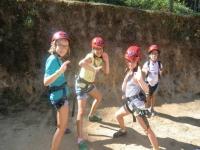 Chicas con casco rojo
