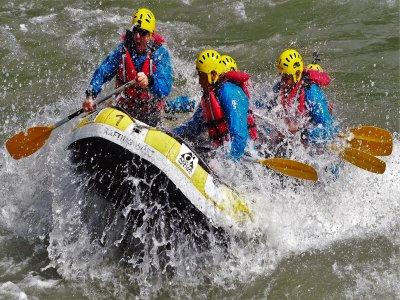 Rafting y barranquismo con 1 noche de hotel
