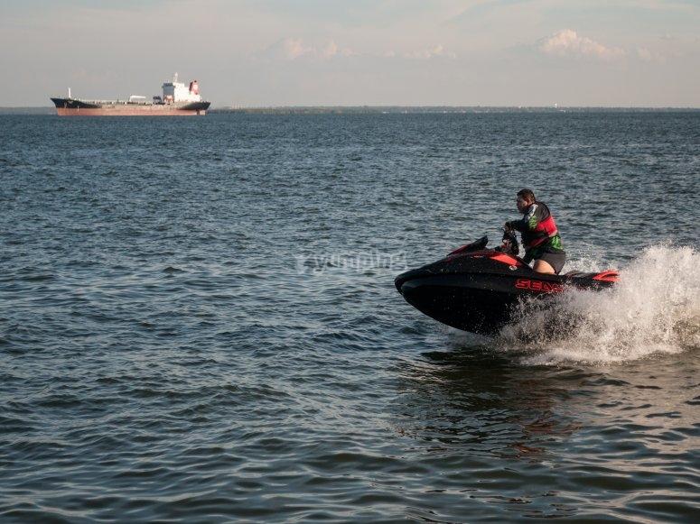 Aventura en moto de agua
