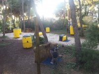 Escenario de paintball con hinchables