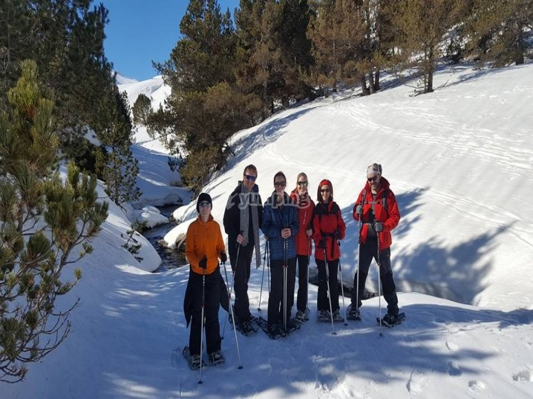 Tour through the Aran Valley with snowshoes