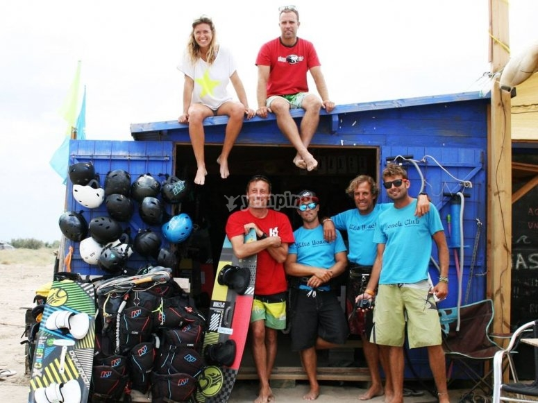 Everybody posing before kiteboarding