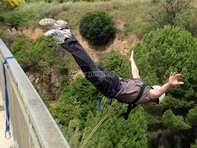 Bungee jumping in Sant Sadurní