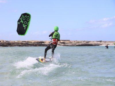 Aprender kitesurf Fuerteventura 1 día