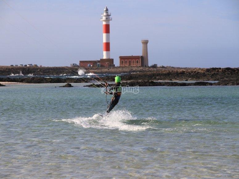 kitesurfeando en Fuerteventura