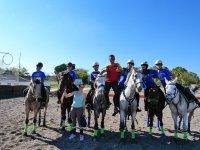 Amigos sobre los caballos