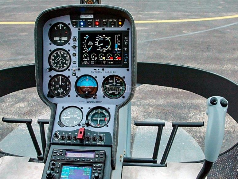 Helicóptero Cabri interior
