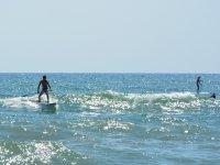 在Gavà划桨冲浪课1小时