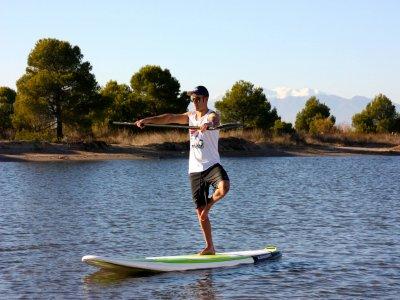 在Girona Costa Brava瑜伽和划桨冲浪90分钟