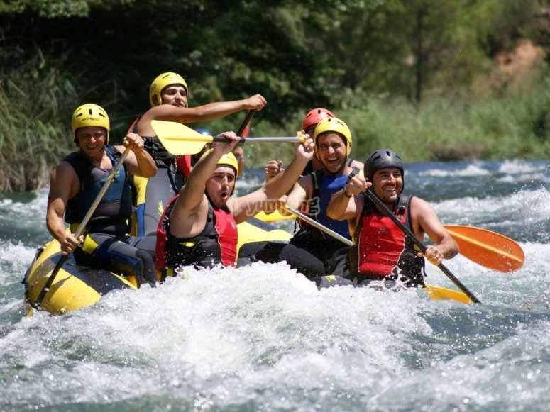 Divirtiendonos con el rafting
