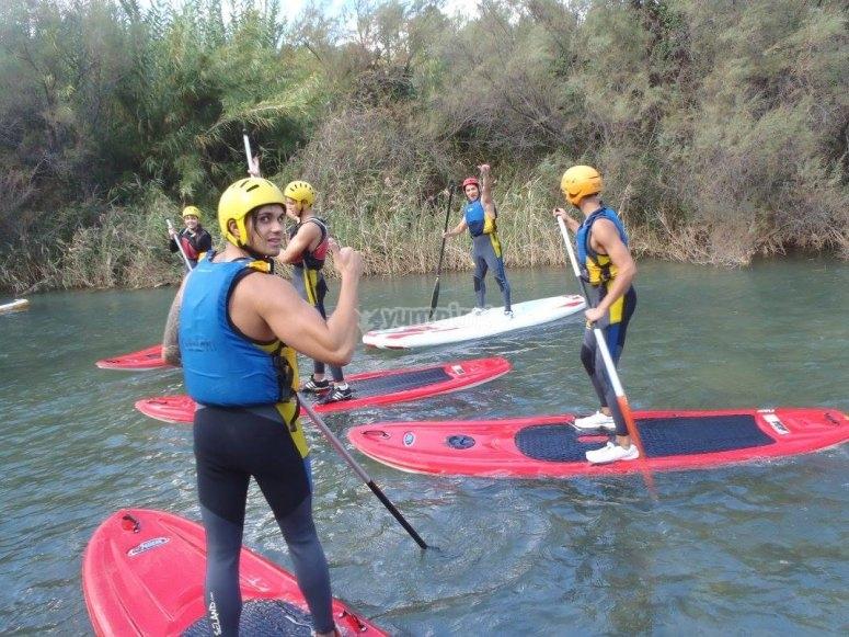 Remando rio abajo en SUP Valencia
