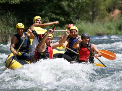 Bachelor/ette party with Rafting. Cabriel river