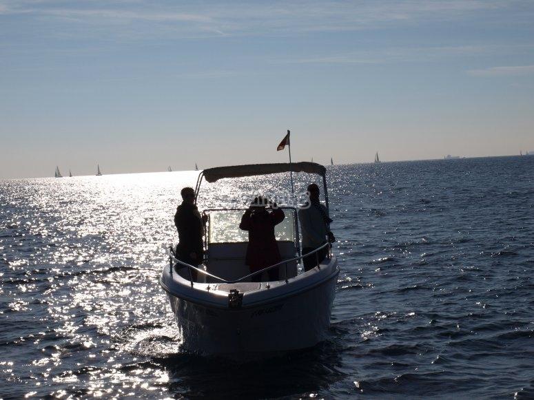 Motora en la mar