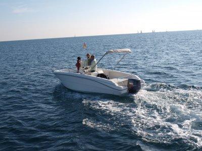 Motor boat trip in the coast of Barcelona