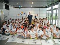 Butragueño recibe a los alumnos