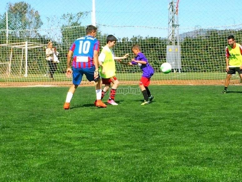 practicando football