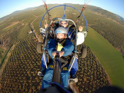 1 h paratrike flight over Sierra de Segura
