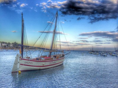 Paseo en velero por Cap de Creus 4h temporada alta