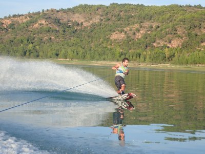 Wakeboard in Barasona lake for 20 minutes