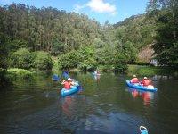 Navegando en canoa en el Eo