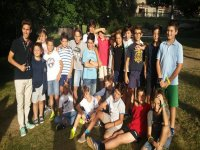 jovenes con profesor nativo