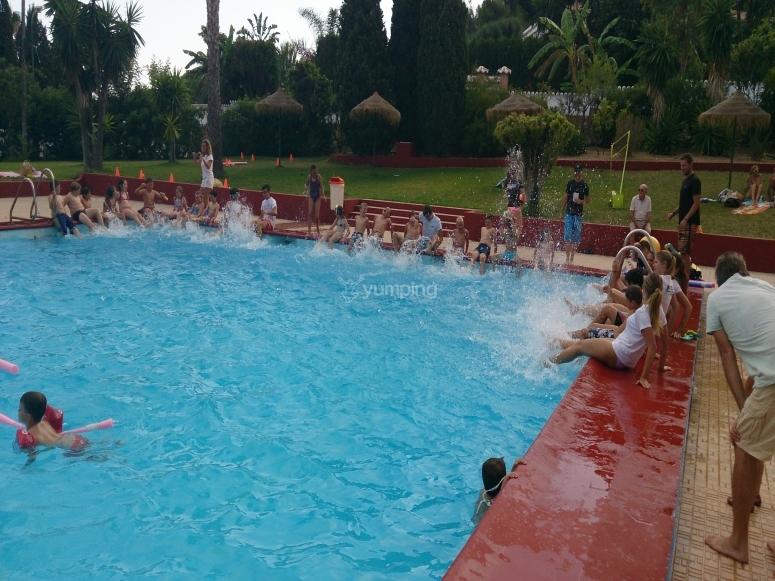 Club Camp en la Piscina