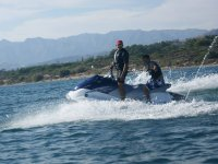 Moto de agua con pasajero