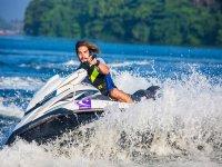 Paseando en moto acuatica