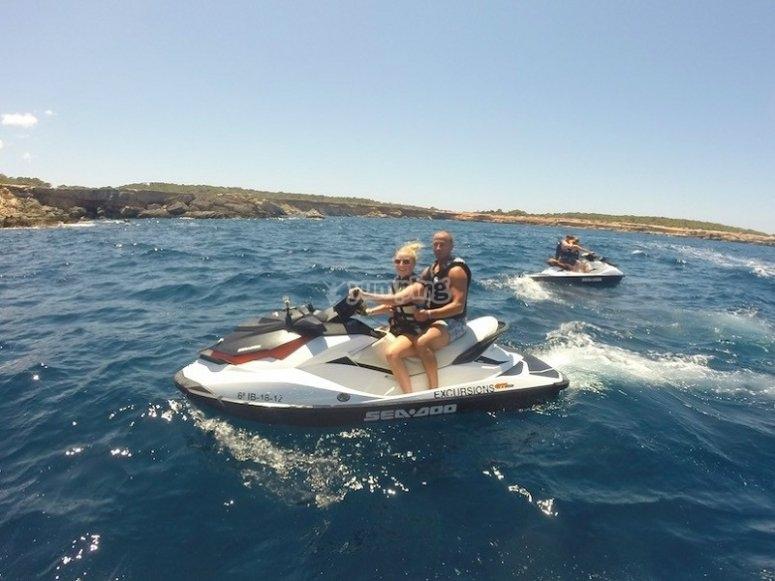 Sesion en moto de agua en Ibiza